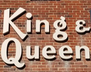 king & queen sign
